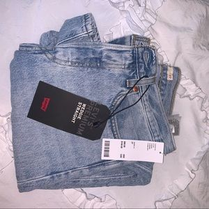 Levi's Wedgie Icon Jean in Montgomery Baked
